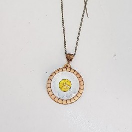 Glass Daisy Necklace (224)