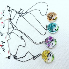 Living tree necklaces (219)
