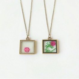 Real flower necklaces (242)